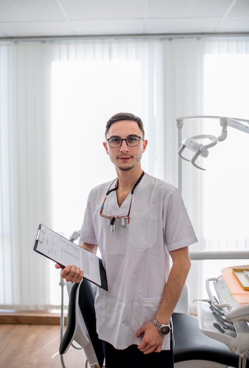 ד״ר איגור ברז'נוי